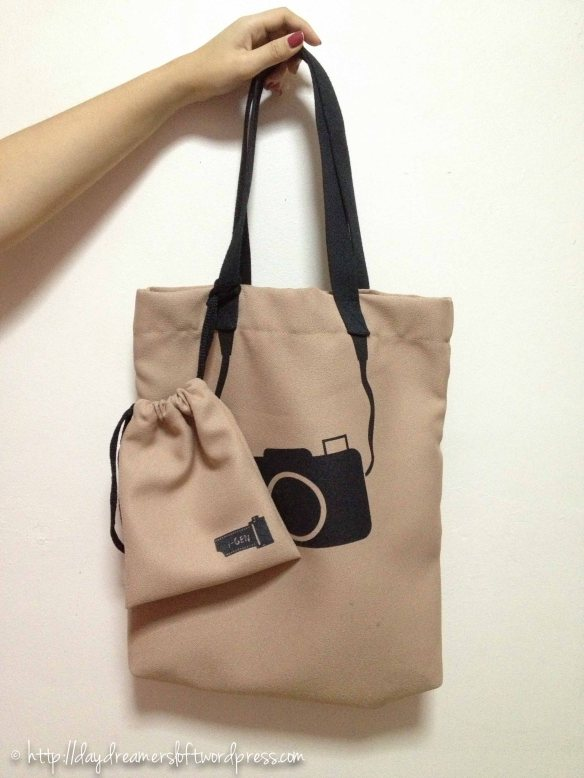 Beige Camera Waterproof Tote Bag(Comes with a small matching sachet) Height 16.5″, Width 14.5″ (ID: C3-E) $19.90